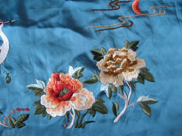 蓝底仙鹤牡丹刺绣