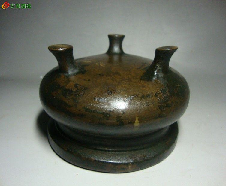 铜器 清代 厚胎 三足鬲炉一只图片